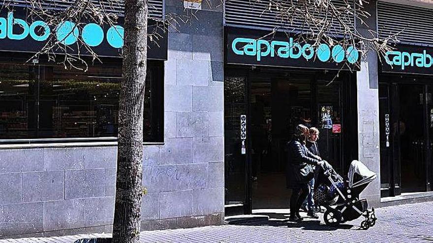 Eroski ven el 50% del negoci de Caprabo al hòlding txec EP Corporate Group