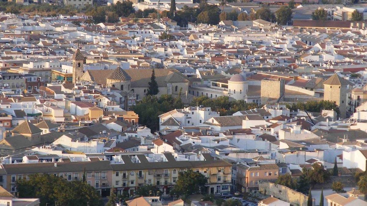 Vista del casco urbano de Lucena.