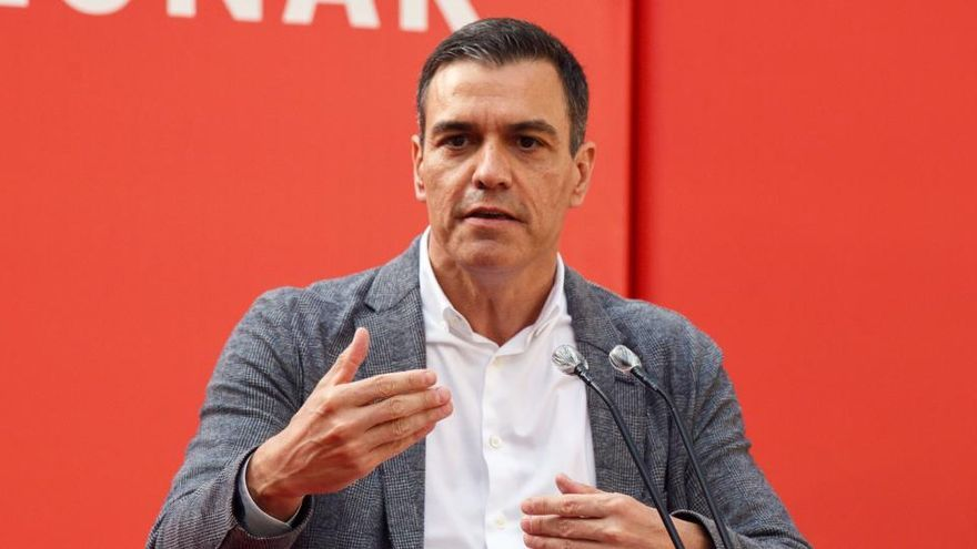 Sánchez felicita a Feijóo y Urkullu por sus victorias