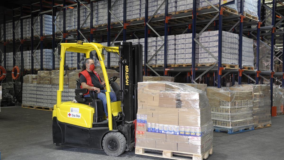 Cruz Roja entrega 717.610 kilos de alimentos a 46.065 personas vulnerables en Canarias