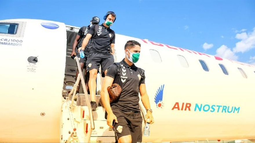 El Elche viaja a Eibar en un vuelo chárter el mismo día del partido