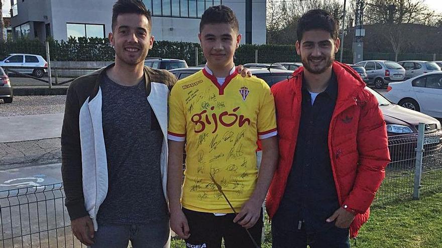 Luto en el fútbol gijonés por la muerte con solo 21 años de Ángel Balmori