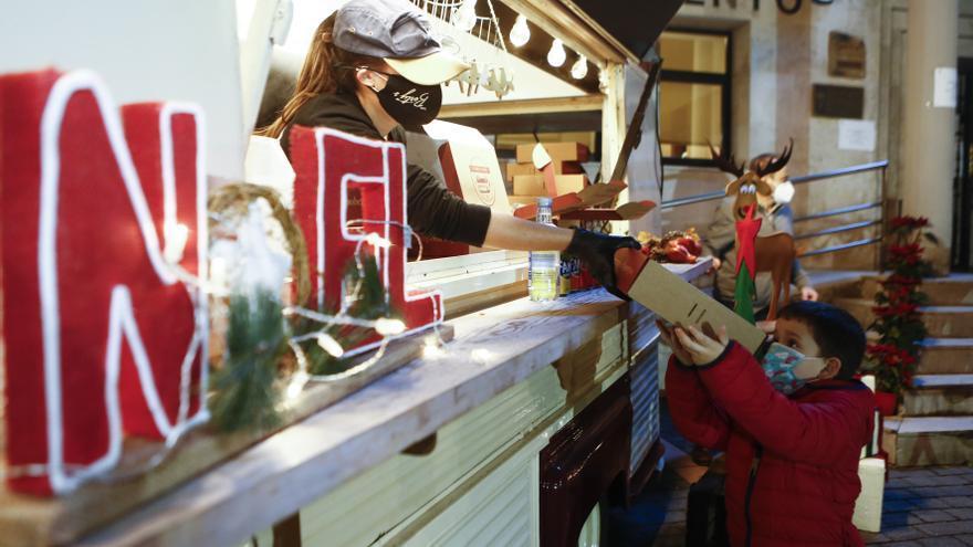 Hamburguesas y regalos de Papá Noel en Ribera de Arriba para compensar la falta de Cabalgata