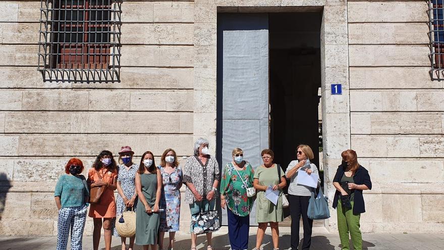 El feminismo valenciano exige a Pedro Sánchez que cumpla la agenda de igualdad