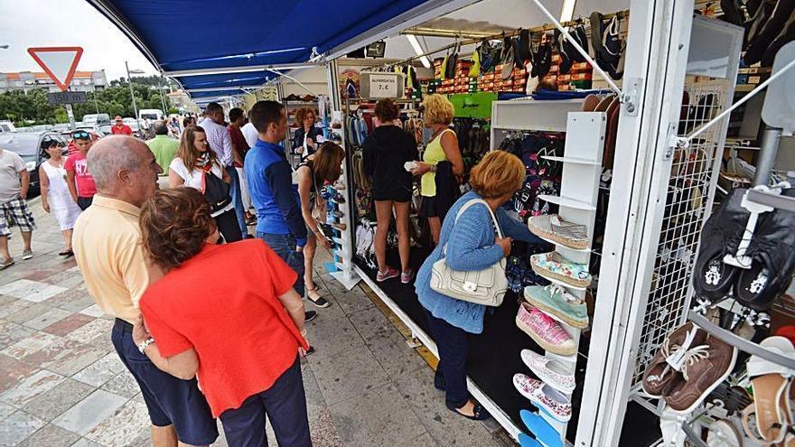 Un certamen de artesanía toma el relevo de la Feria Multisectorial de Portonovo tras el paréntesis de 2020