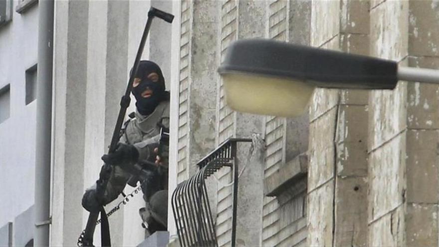 Francia detiene a 23 personas y localiza armas y un lanzacohetes en una macrorredada yihadista