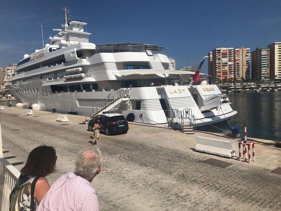 Lady Moura, yate de superlujo que ha atracado en el Puerto de Málaga este año.