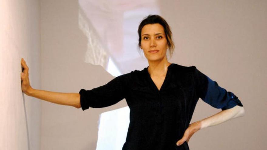 La artista multidisciplinar Amparo Sard se va de 'Viaje a Saturno'