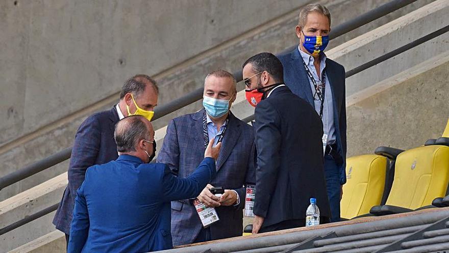 Araujo, 1.651 días después, se viste de bigoleador amarillo en un partido