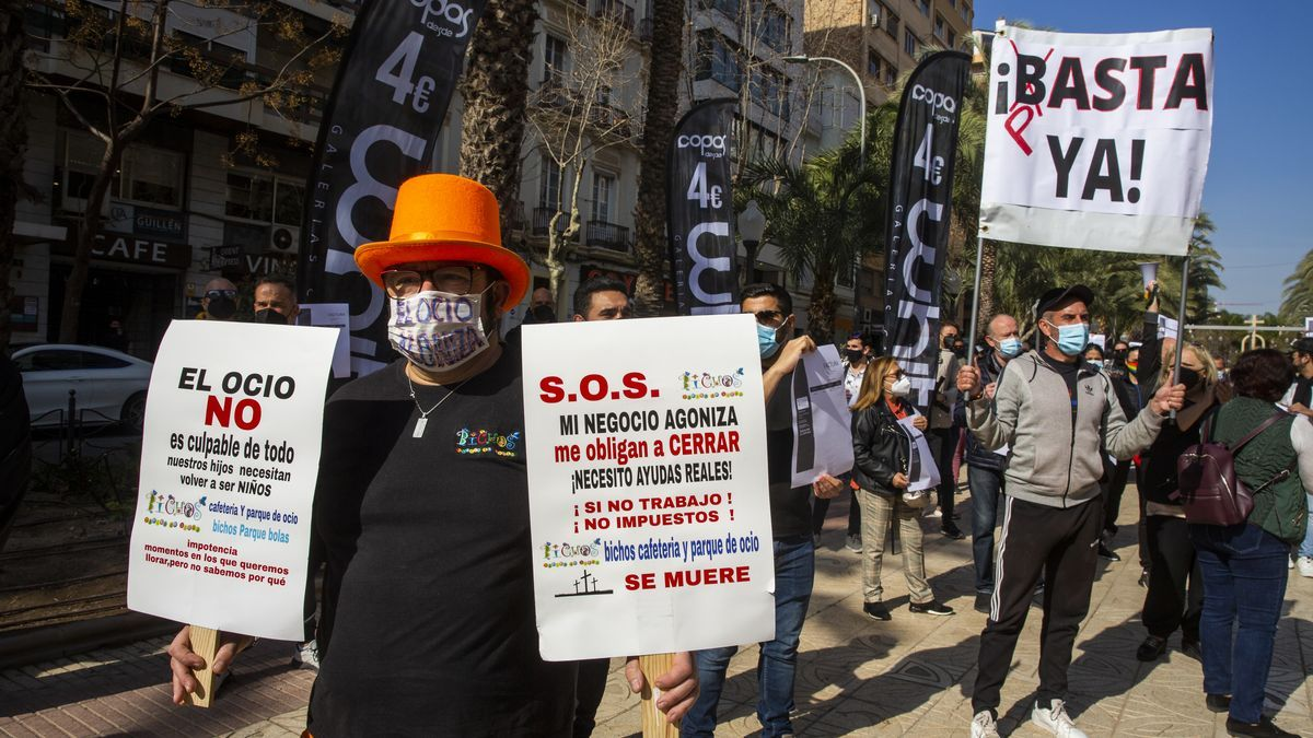 Protest of the leisure and hospitality sector, yesterday in Alicante