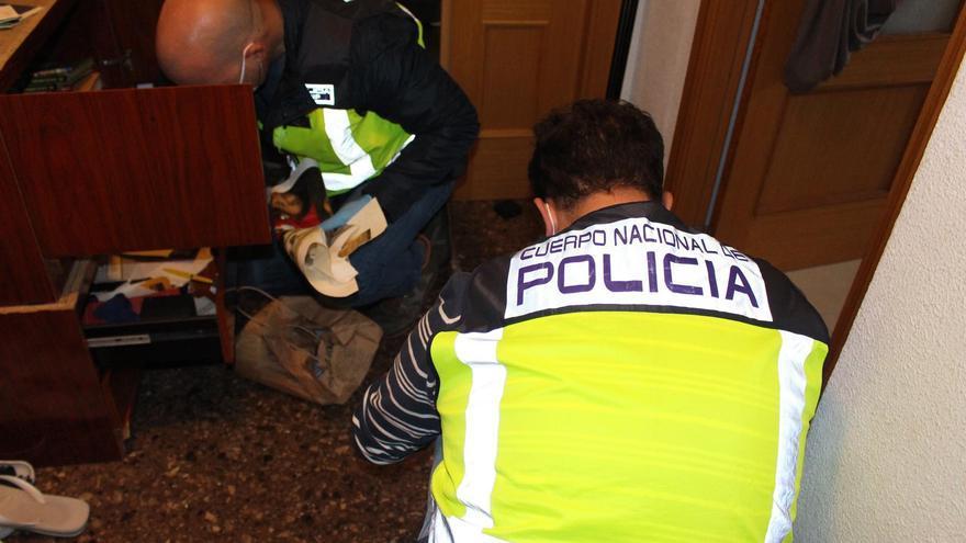 Detenidas 57 personas en Málaga por extorsionar a usuarios de web de servicios sexuales