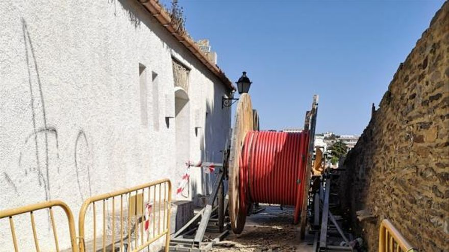 Inverteixen 800.000 euros en la millora de les línies elèctriques a Cadaqués