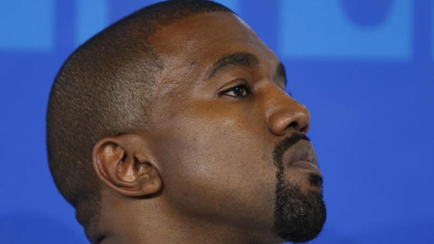 """El rapero Kanye West genera nueva polémica al calificar de """"opción"""" a la esclavitud"""