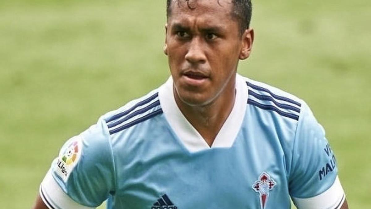 Renato Tapia durante un partido de la pretemporada. // RCCV