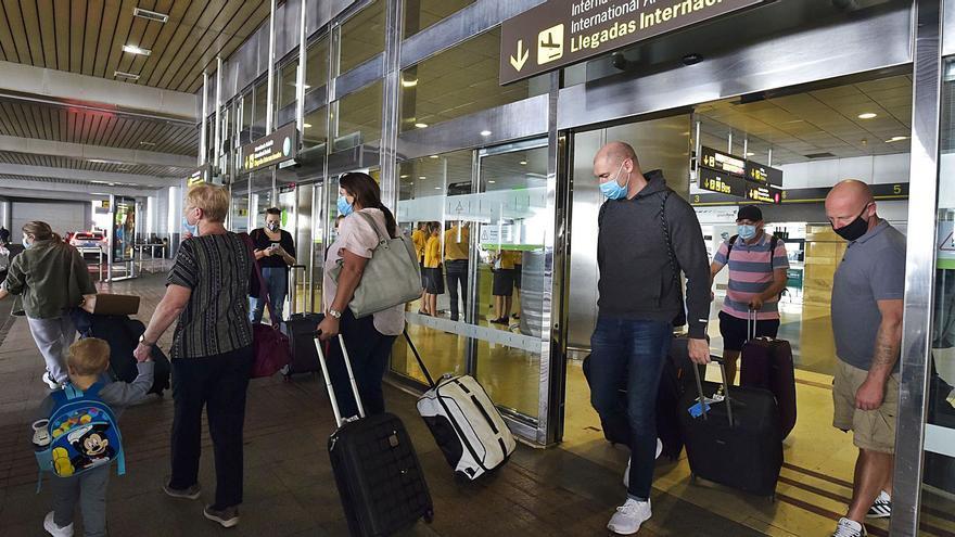 Los hoteles canarios no harán el 'check-in' a los visitantes que no acrediten prueba de Covid
