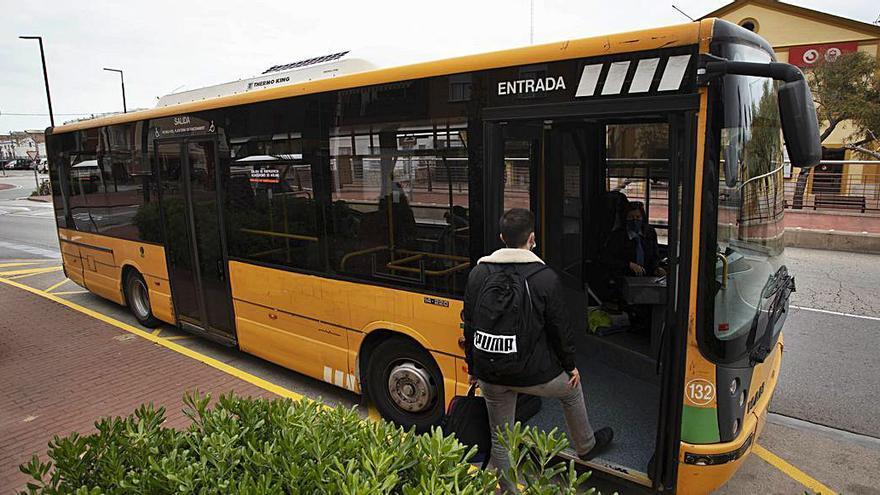 El bus estrena horarios y rutas en Sagunt