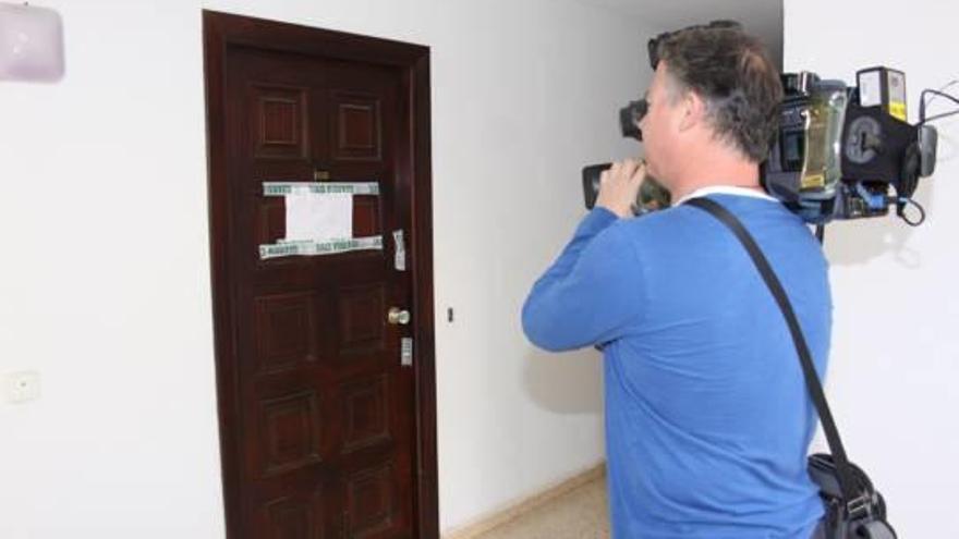 Mata a su mujer estrangulándola con el cable del teléfono y se entrega en Mallorca