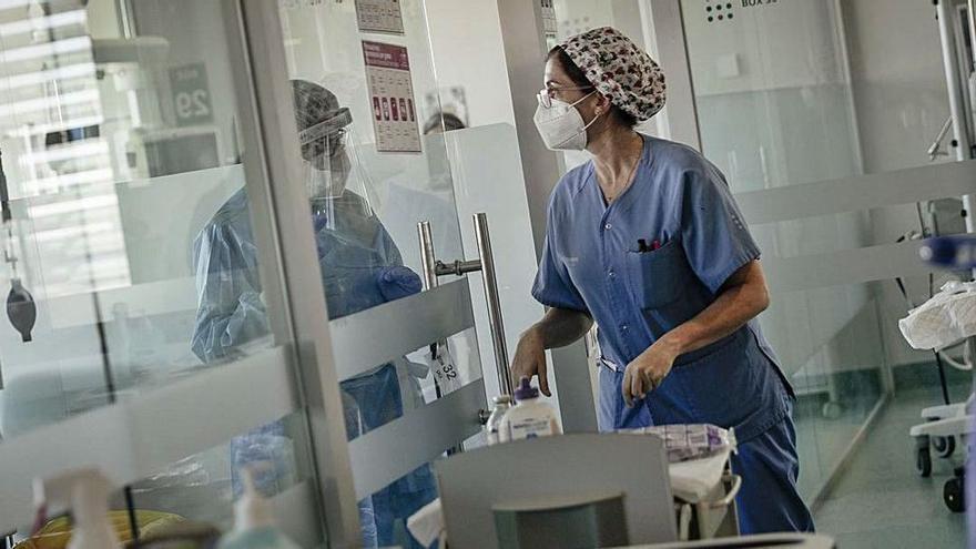 Komplett geimpfter Arzt liegt in Palma de Mallorca mit Covid-19 auf Intensivstation