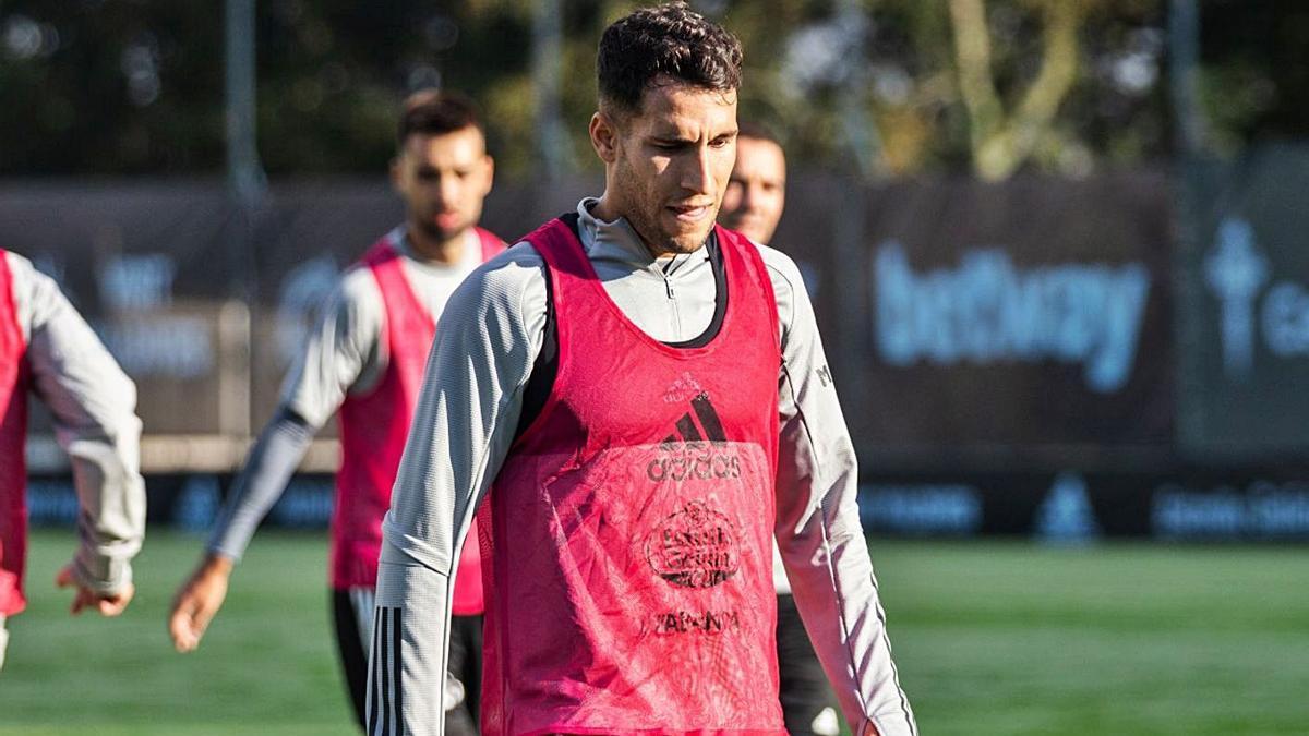 Hugo Mallo, durante un reciente entrenamiento del Celta en las instalaciones de A Madroa.