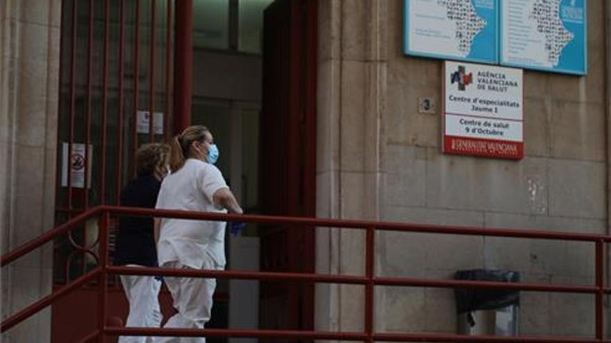 Un centro de salud de Castelló tiene al 70% de médicos de baja, según CSIF