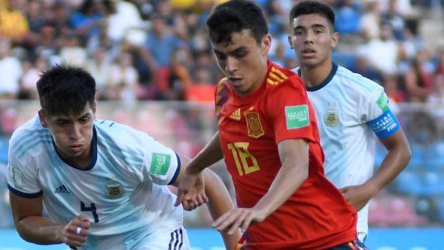 Pedri colecciona elogios tras su actuación ante Argentina