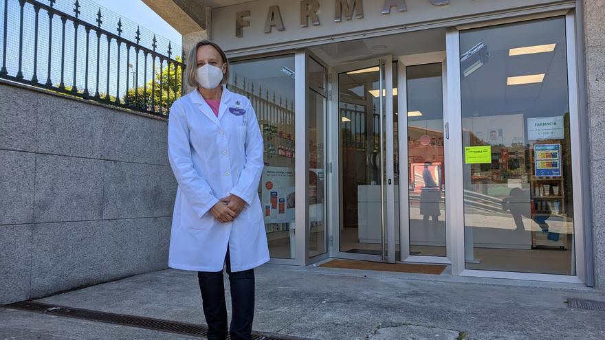"""Uxes estrena la primera farmacia en el rural de Arteixo: """"La gente está contenta"""""""