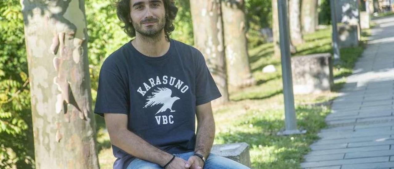 Millán Brea, alma máter de la jornada con las internacionales, ayer en el campus de Ourense. // Carlos Peteiro