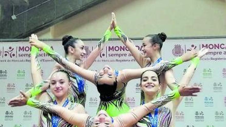 El Club Aeròbic Moncada se cuelga 25 medallas
