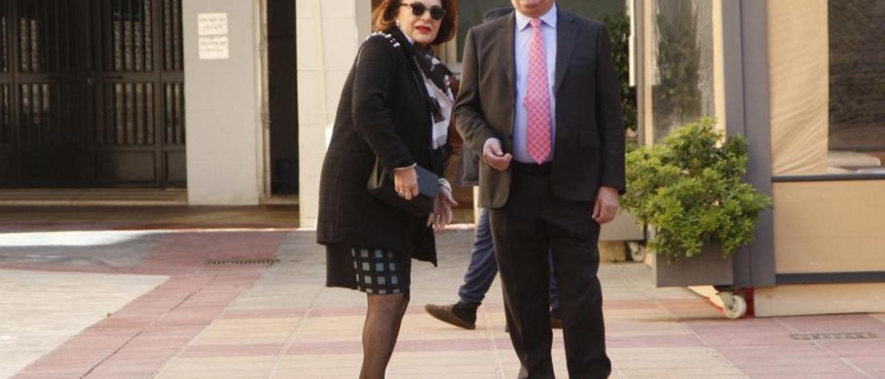 Mariano Rajoy acude a una boda en Murcia