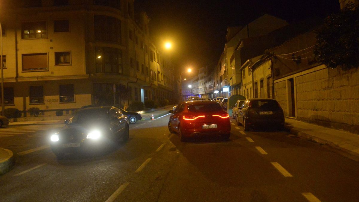 Calle Agustín Romero, en una vista nocturna