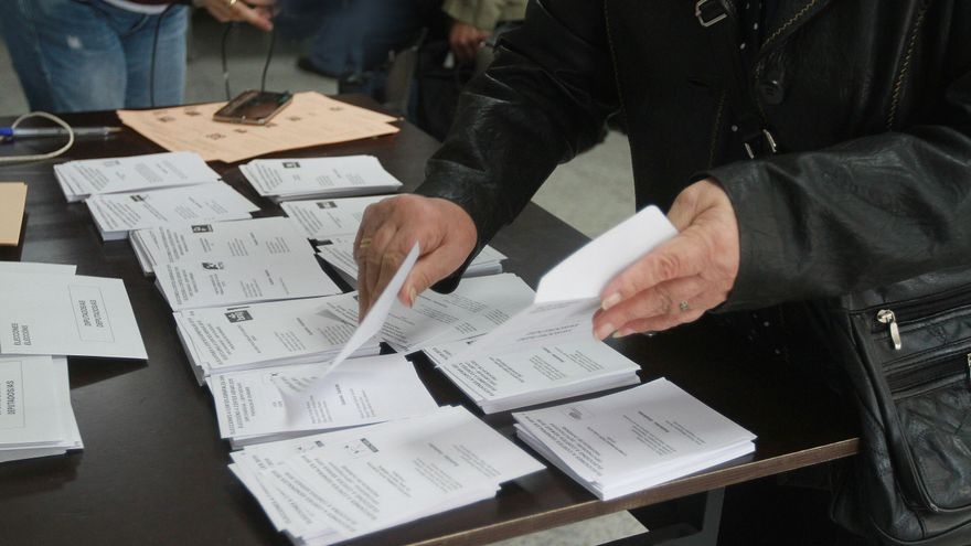 Condenada a prisión en Las Palmas por excluir de una mesa electoral a un ciudadano por llamarse Alí