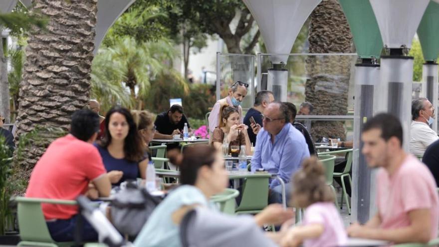 El 81,8% de los empresarios de Canarias fijan la recuperación total antes de un año