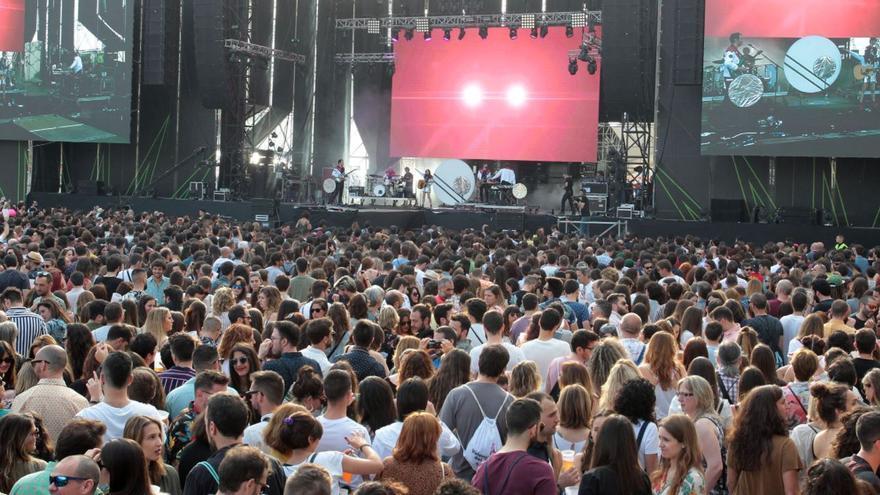 El Festival de Les Arts acoge el primer punto móvil de vacunación en conciertos