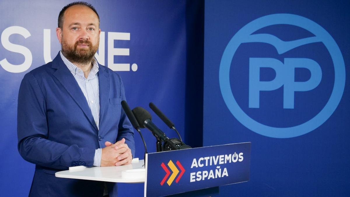 El portavoz de Economía del PP en el Parlamento de Andalucía, Ramón Herrera.