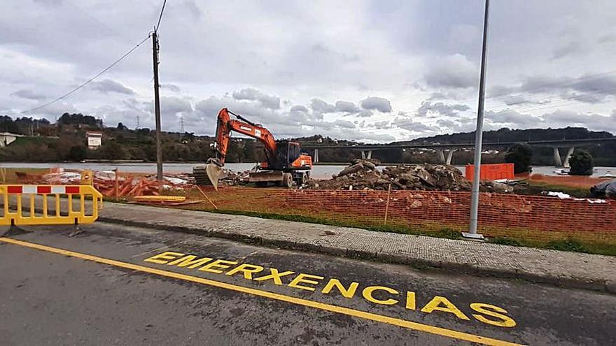 Costas finaliza las obras de demolición de las naves de la playa de O Pedrido