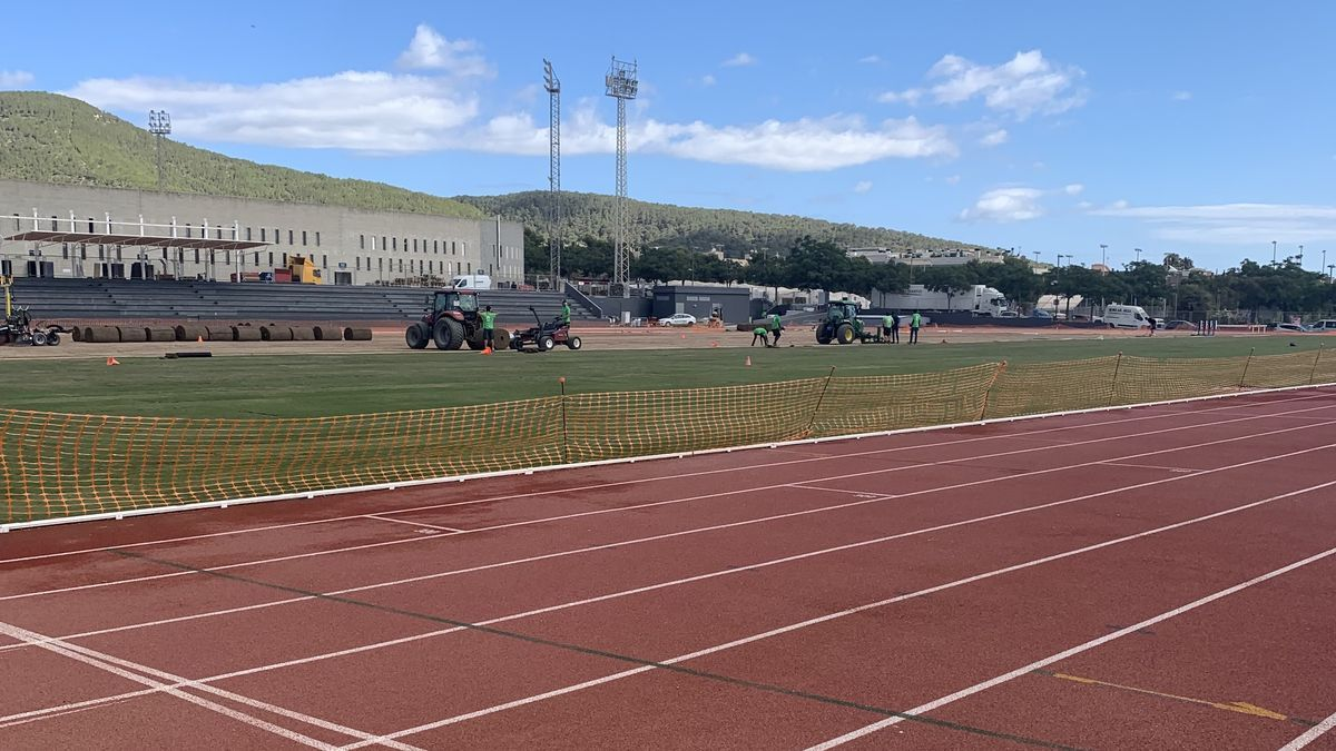 Obras en la pista de atletismo de Can Misses