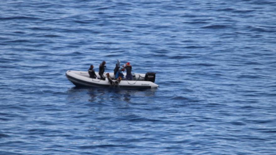 Interceptada una embarcación tras realizar pesca submarina en una zona prohibida de Agulo