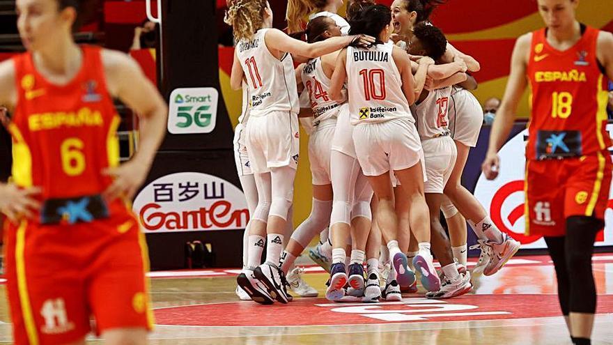 España se despide del podio