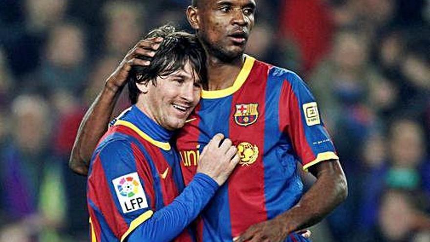 Éric Abidal segueix al club  i es reconcilia amb Messi