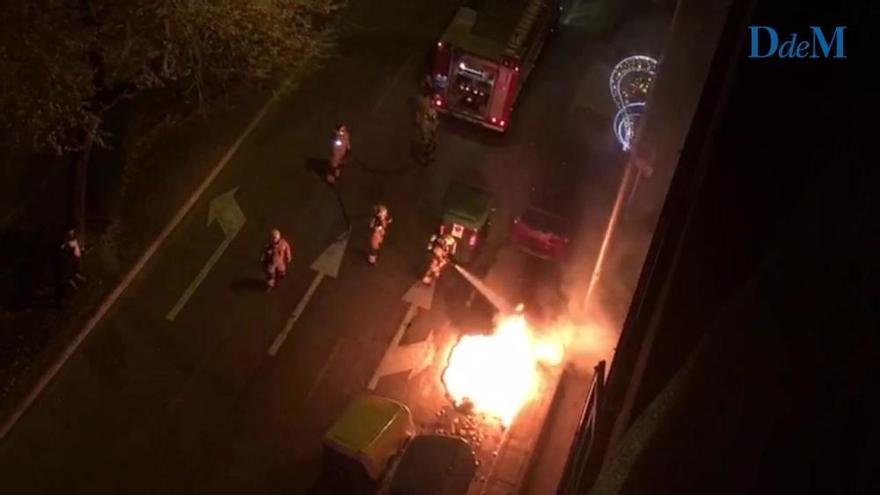 Palmas Feuerteufel steckt Container in gleich fünf Straßen in Brand