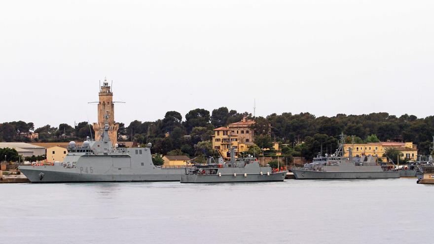 Varios buques participan en las maniobras Spanish Minex-21 en aguas de Palma