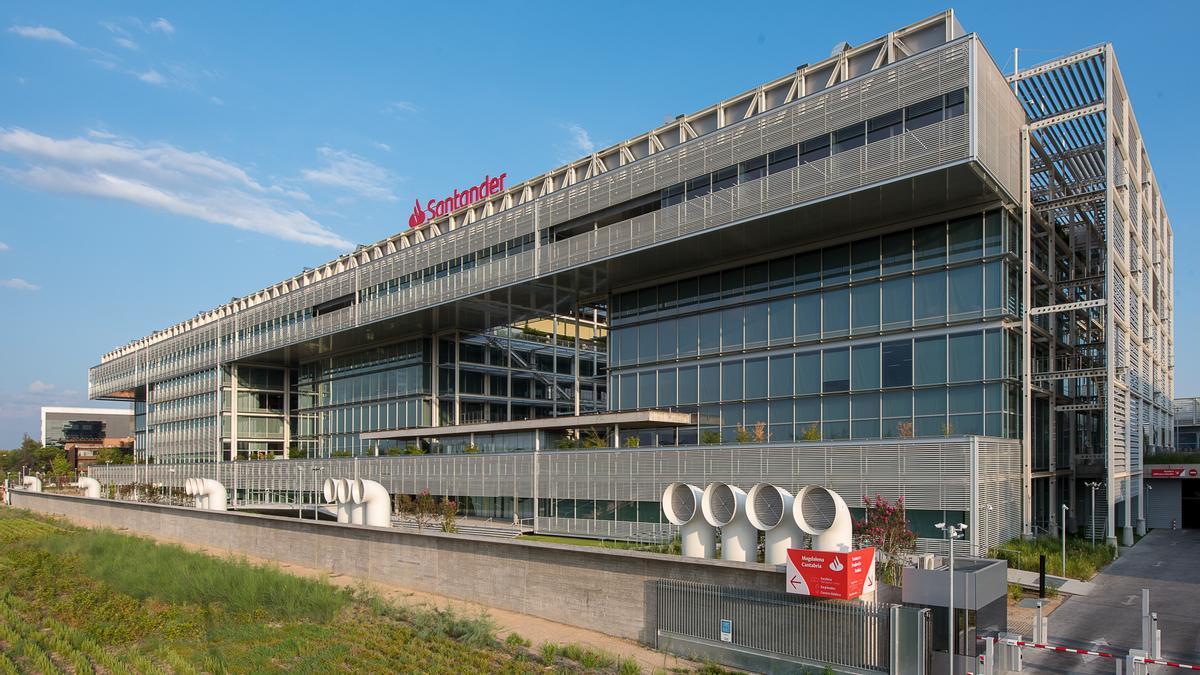Vista panorámica de la sede de Santander España, en Madrid.