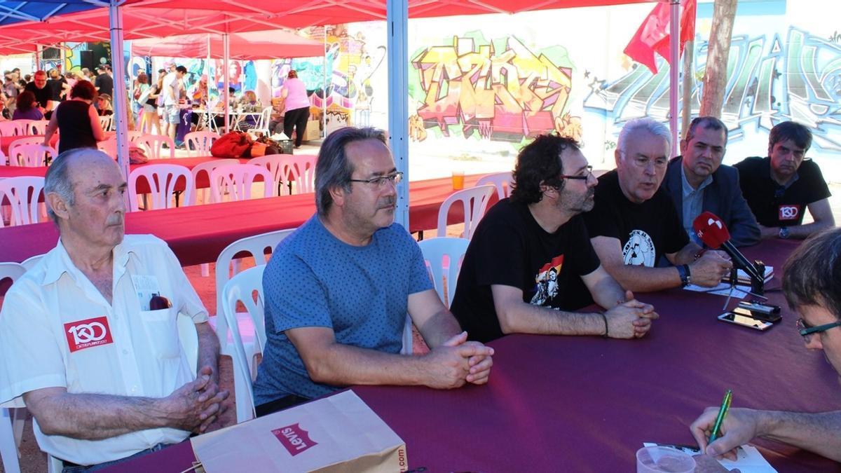 Los representantes de IU Zamora, junto a Francisco Frutos