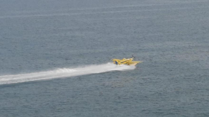 VIDEO | Así se abastecen los hidroaviones que extinguen el incendio de Peñíscola