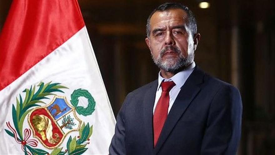 El ministro de Trabajo de Perú pone su cargo a disposición del presidente