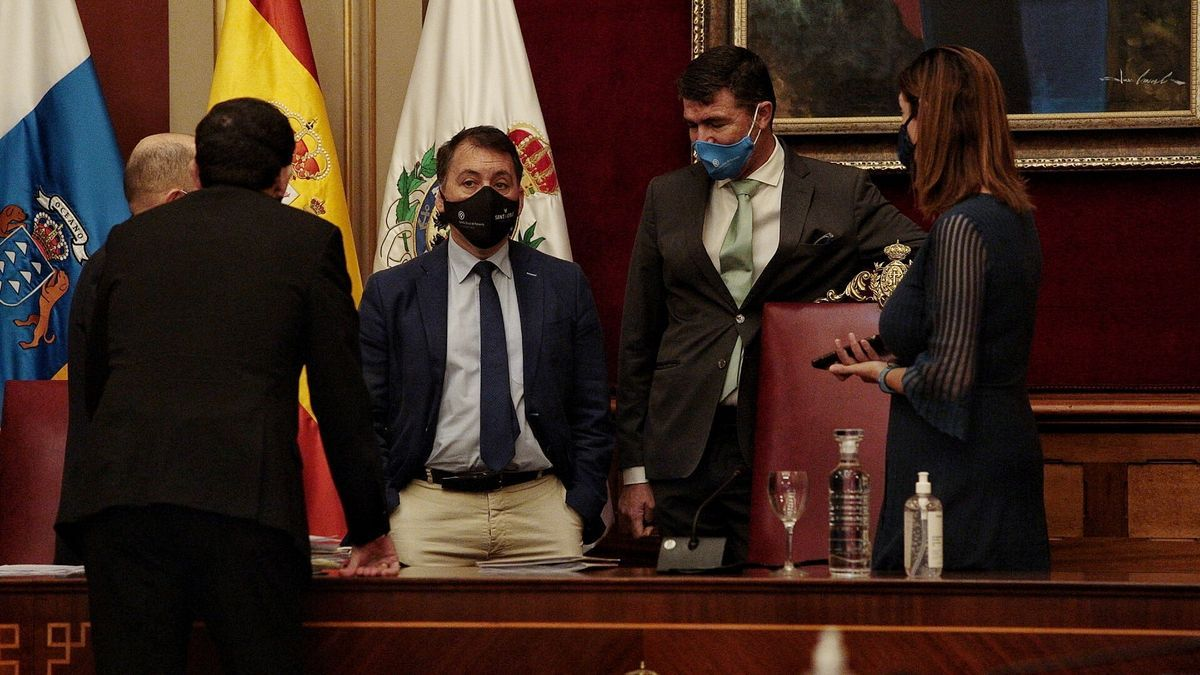 Bermúdez y Díaz Guerra, antes de un pleno.