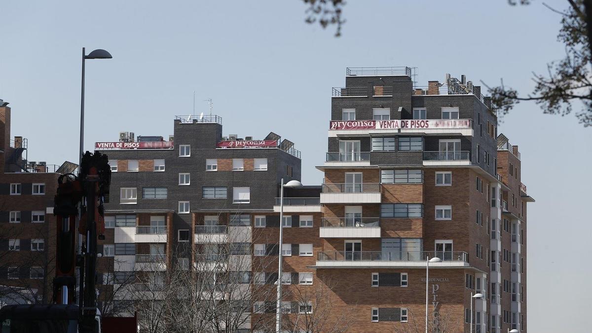 Archivo - Bloque de pisos (imagen de archivo).