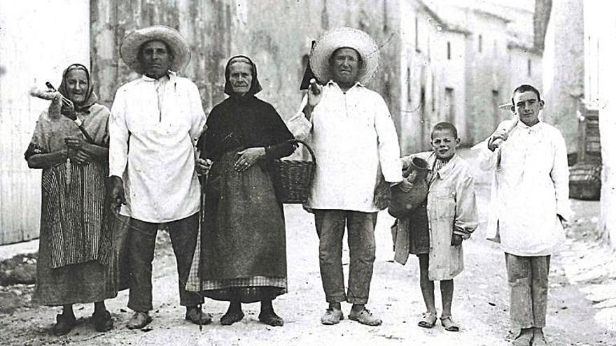 Un viaje fotográfico por los archivos de Sant Joan