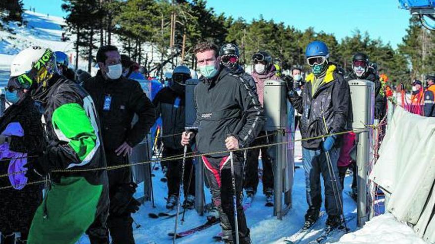 Desafío en la nieve: 650 aficionados en el regreso de Manzaneda