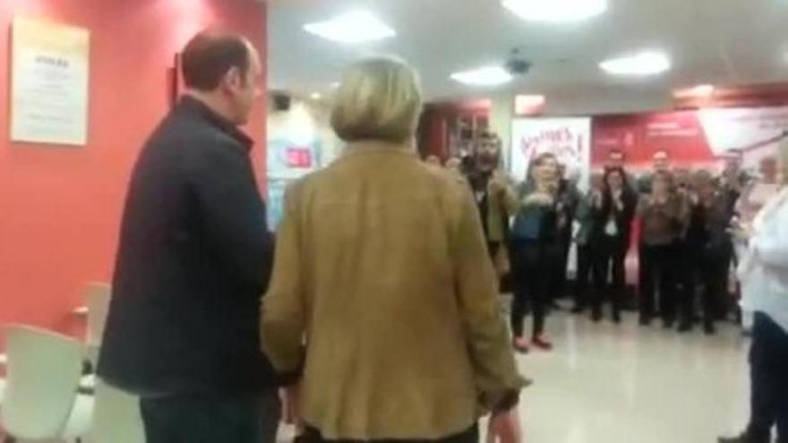 Mariví Monteserín celebra el triunfo del PSOE en Avilés